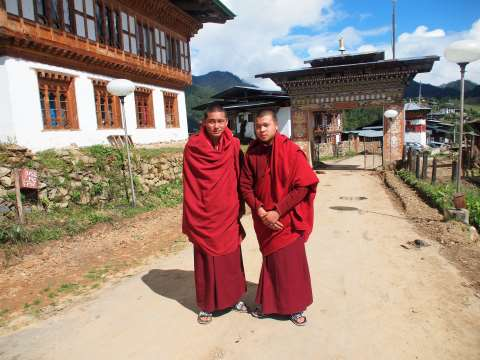 Gangteng Monastery monks