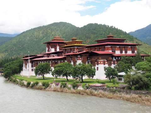 Punakha Dzong and the river